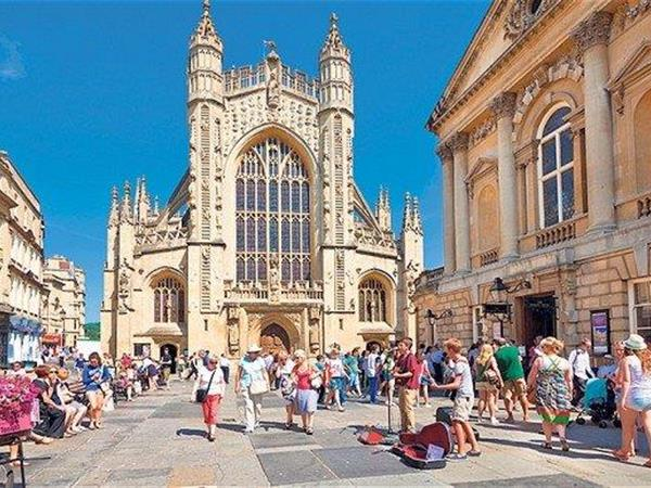 Eating And Drinking In Bath