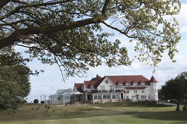 north-shore-hotel-and-golf-club-grounds-and-hotel-01-83944